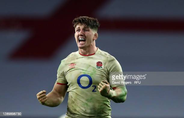 Tom Curry of England celebrates after England win a penalty which wins the game after a successful kick from team mate Owen Farrell during the Autumn...