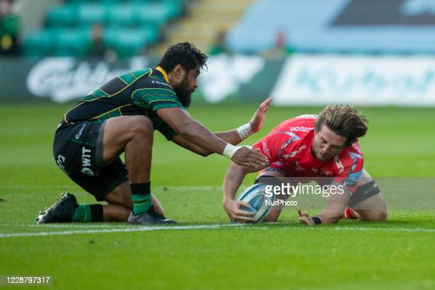 Tom Curry of Sale Sharks and Matt Proctor of Northampton Saints during the Gallagher Premiership match between Northampton Saints and Sale Sharks at...
