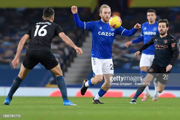 Tom Davies of Everton controls the ball during the Premier League match between Everton and Manchester City at Goodison Park on February 17 2021 in...