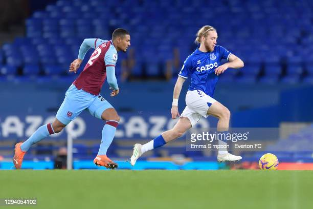 Tom Davies of Everton during the Premier League match between Everton and West Ham United at Goodison Park on January 1 2021 in Liverpool, England.