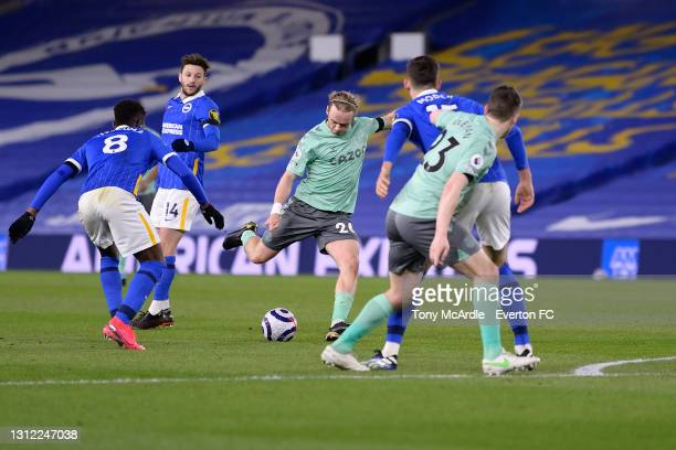 Tom Davies of Everton with a chance on goal during the Premier League match between Brighton and Hove Albion and Everton at the American Express...