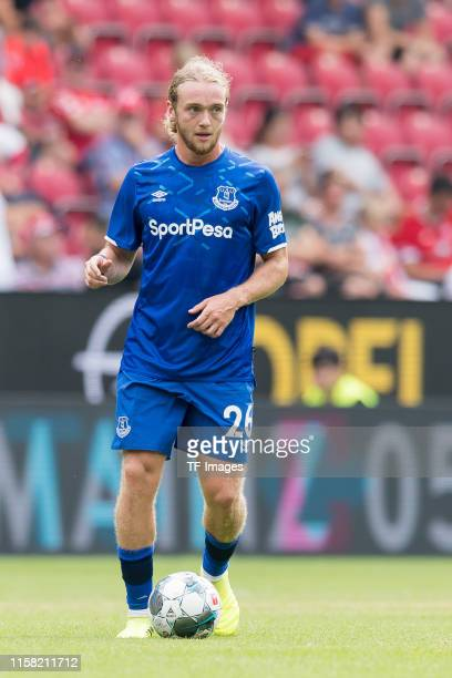 Tom Davies of FC Everton controls the ball during the Opel Cup 2019 match between 1 FSV Mainz 05 and FC Everton at Opel Arena on July 27 2019 in...