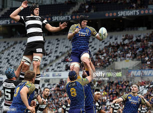 Tom Donnelly of Otago takes clean line-out ball during the ITM Cup semifinal match between Otago and Hawke's Bay at Forsyth Barr Stadium on October...
