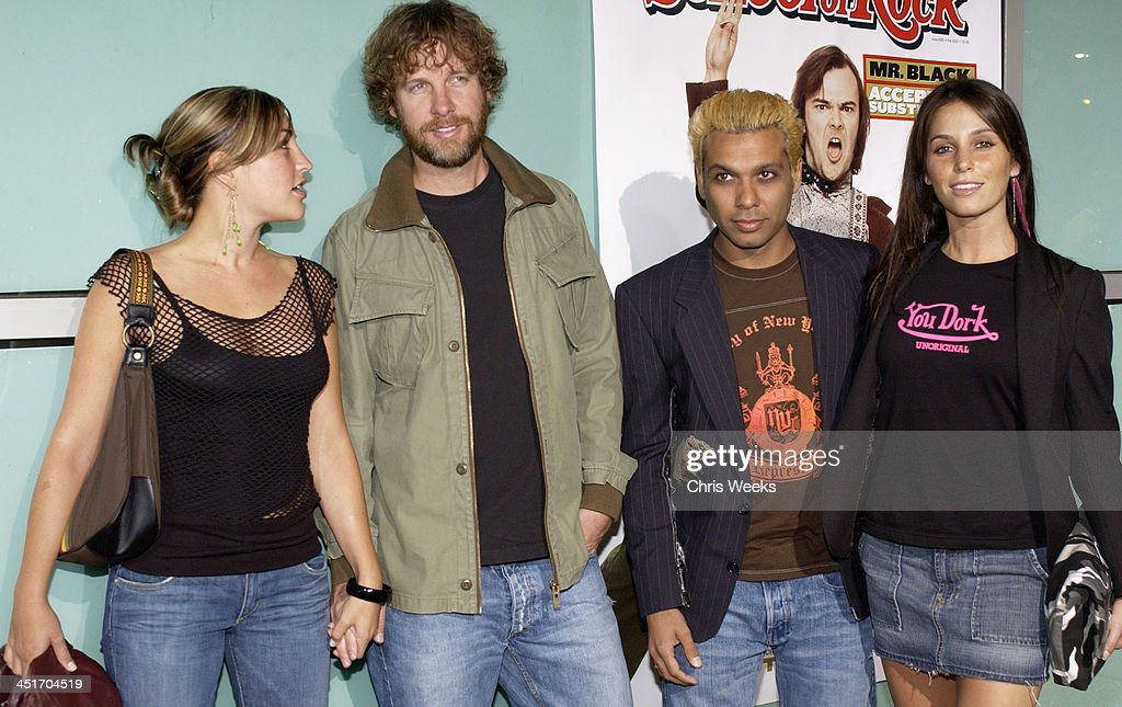 Tom Dumont and Tony Kanal of No Doubt (center) with guests