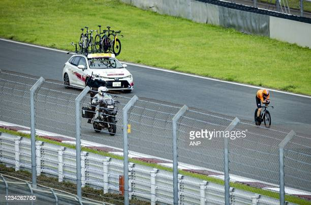 Tom Dumoulin in action during the individual road time trial at Fuji International Speedway during the Tokyo Olympics. KOEN VAN WEEL W