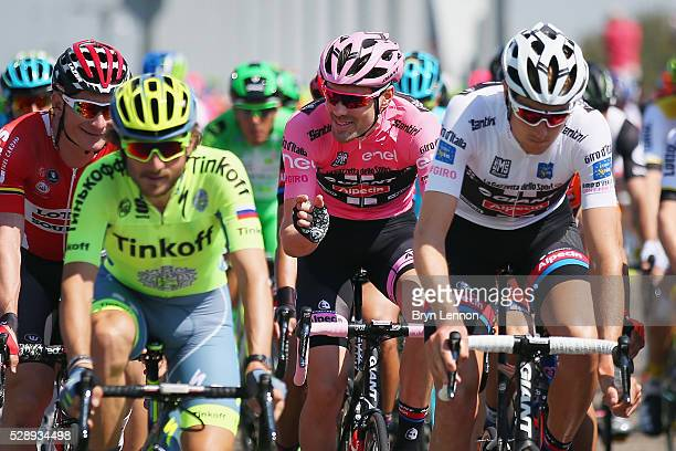 Tom Dumoulin of The Netherlands and Team Giant Alpecin retained his race leaders pink jersey on stage two of the 2016 Giro d'Italia a 190km stage...