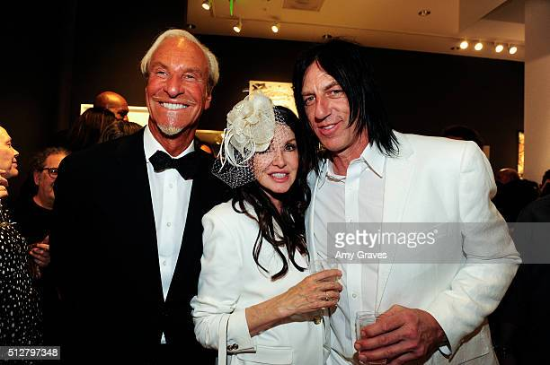 Tom Everhart Kevin Starr and Gretchen Bonaduce attend the 'Tom Everhart 'Raw' Exhibition of His Schulzinfluenced Paintings For The First Time In...