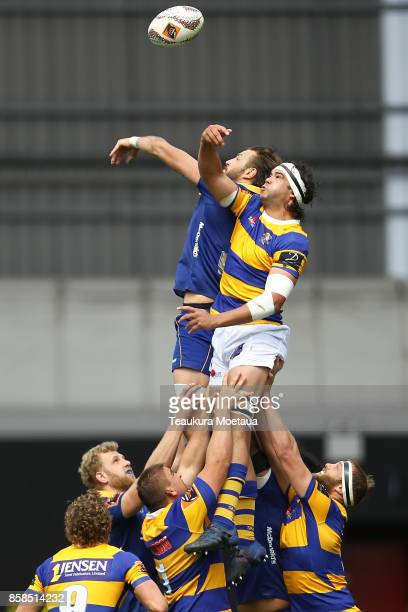 Tom Franklin of Bay of Plenty takes lineout ball during the round eight Mitre 10 cup match between Otago and Bay of Plenty at Forsyth Barr Stadium on...
