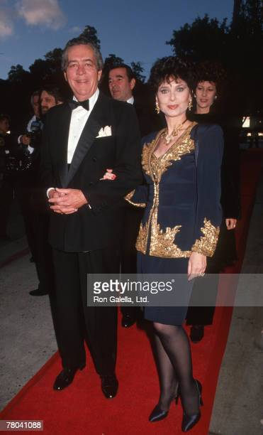 Tom Gallagher and Suzanne Pleshette