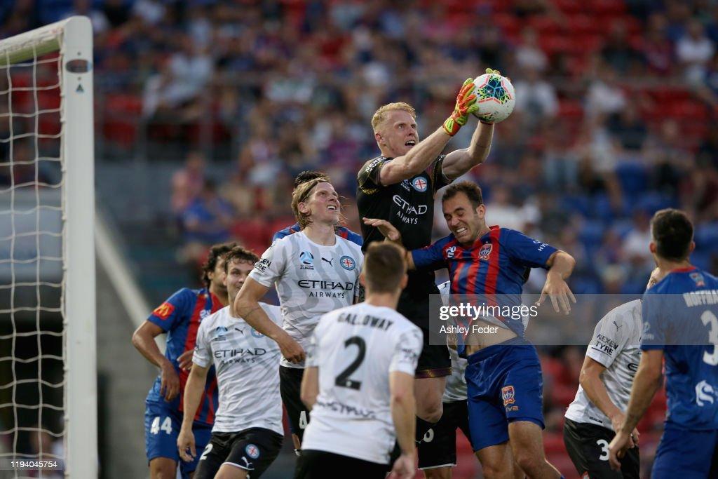 A-League Rd 10 - Newcastle v Melbourne City : News Photo