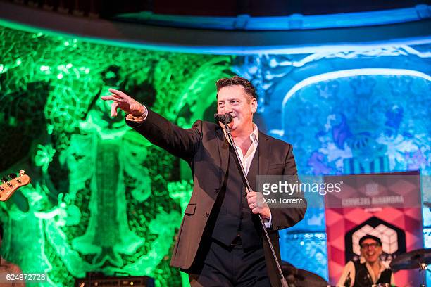 Tom Hadley performs in concert at Palau de la Musica Catalana during the Festival Milleni on November 21 2016 in Barcelona Spain