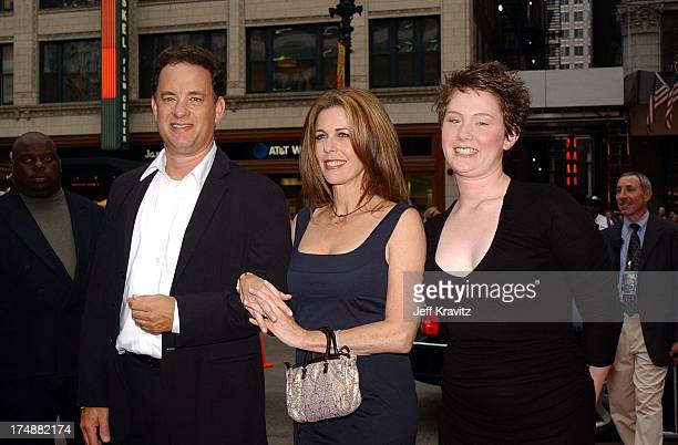 "Tom Hanks, Rita Wilson & Elizabeth Hanks during ""Road to Perdition"" Pre-Premiere of Dreamworks SKG film at Gene Siskel Cinema Center in Chicago,..."
