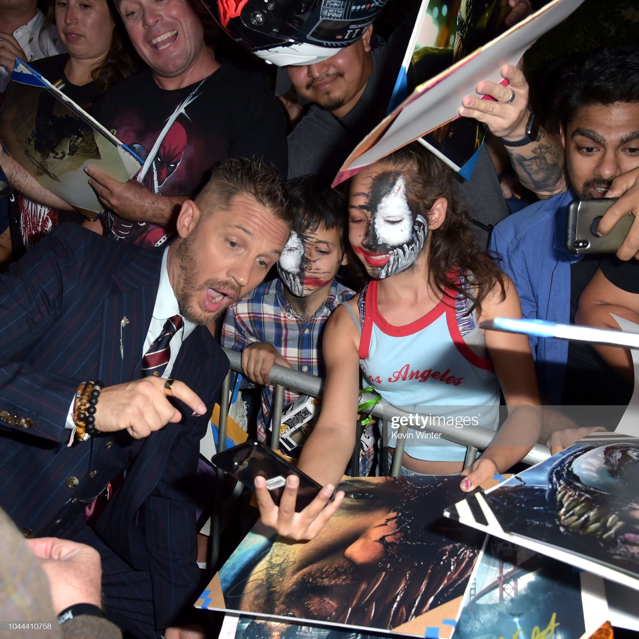 tom-hardy-attends-the-premiere-of-columb