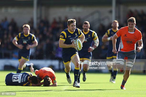 Tom Heathcote of Worcester breaks clear before offloading to set up a try for Wynard Olivier during the Aviva Premiership match between Worcester...