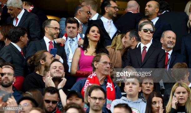 Tom Henry and wife Linda Pizzuti Henry of Liverpool with Peter Moore and Michael Gordon and Tom Werner during the Premier League match between...