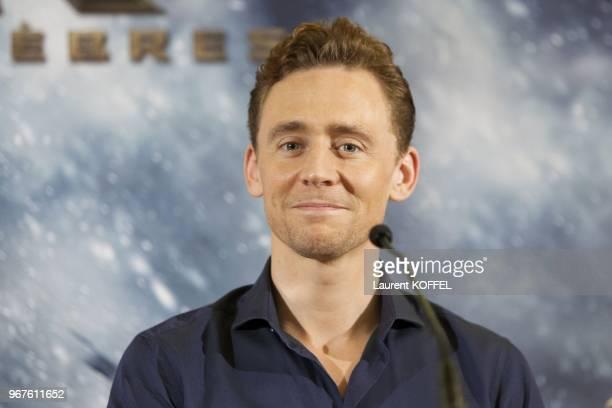 Tom Hiddleston assistent a la conference de presse du film 'Thor, le monde des tenebres' le 24 octobre 2013 a l'hotel Park Hyatt Vendome, Paris,...