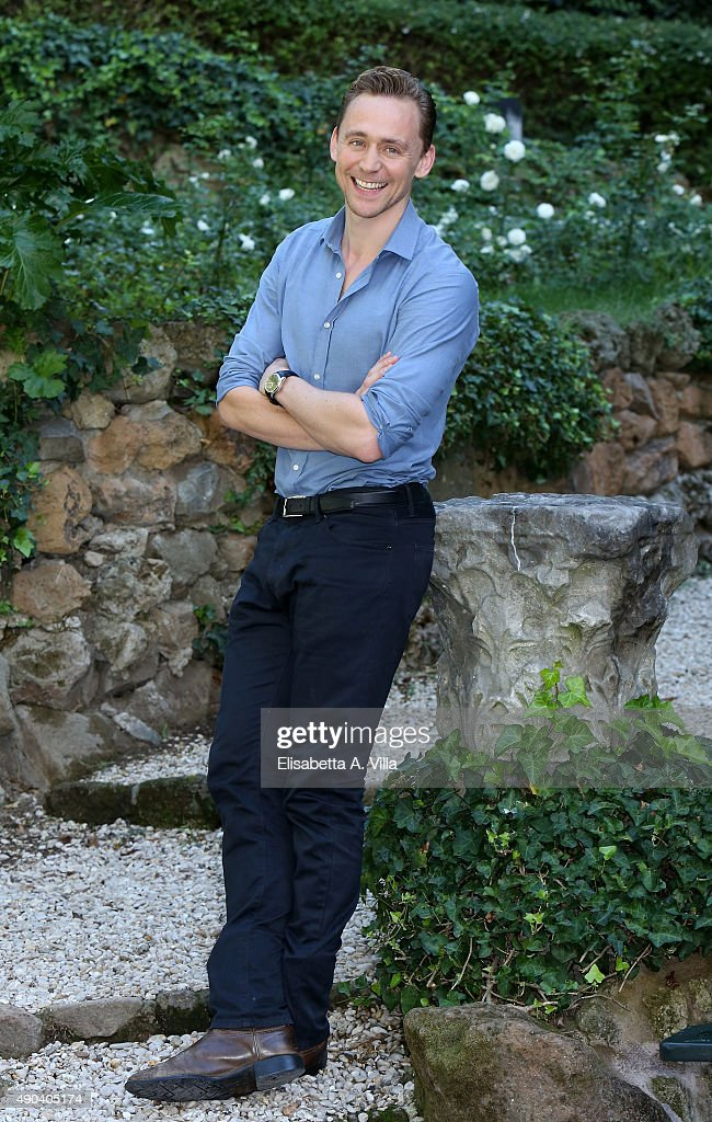 Tom Hiddleston attends a photocall for 'Crimson Peak' at Le Jardin de Russie on September 28, 2015 in Rome, Italy.