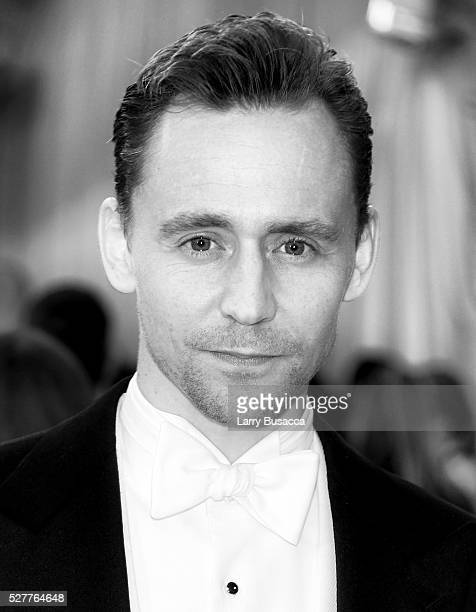 Tom Hiddleston attends 'Manus x Machina Fashion In An Age Of Technology' Costume Institute Gala at Metropolitan Museum of Art on May 2 2016 in New...