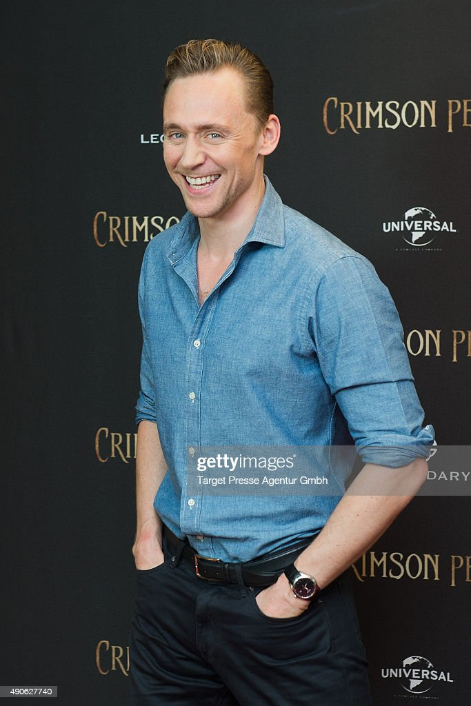 Tom Hiddleston attends the 'Crimson Peak' photocall at The Regent Hotel on September 30, 2015 in Berlin, Germany.