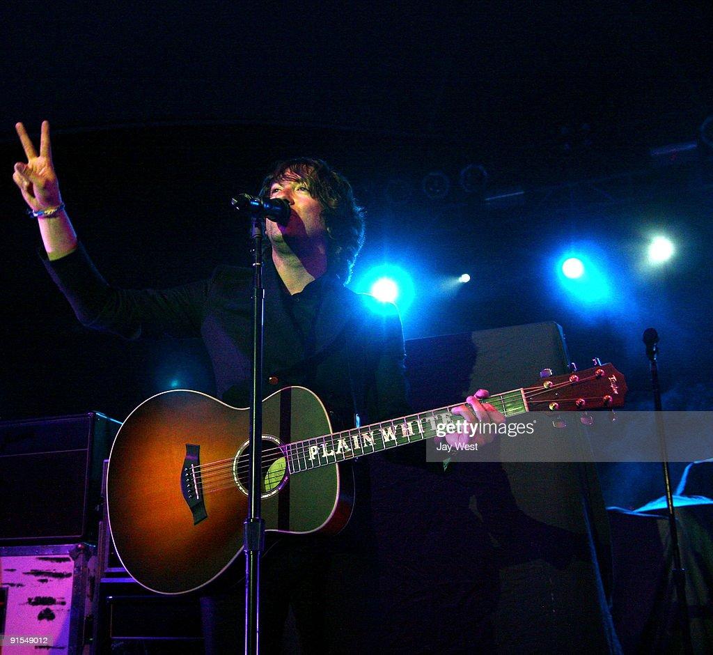 Tom Higgenson of Plain White T's opens for Snow Patrol in concert at Stubb's Bar-B-Q on October 6, 2009 in Austin, Texas.