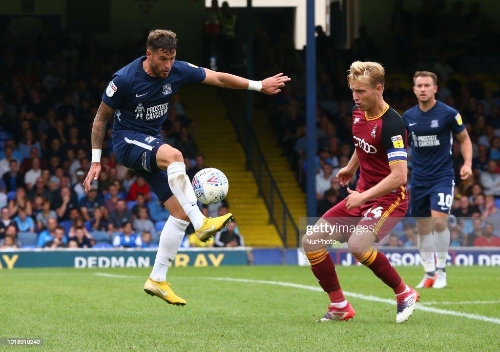 Southend United v Bradford City - Sky Bet League One