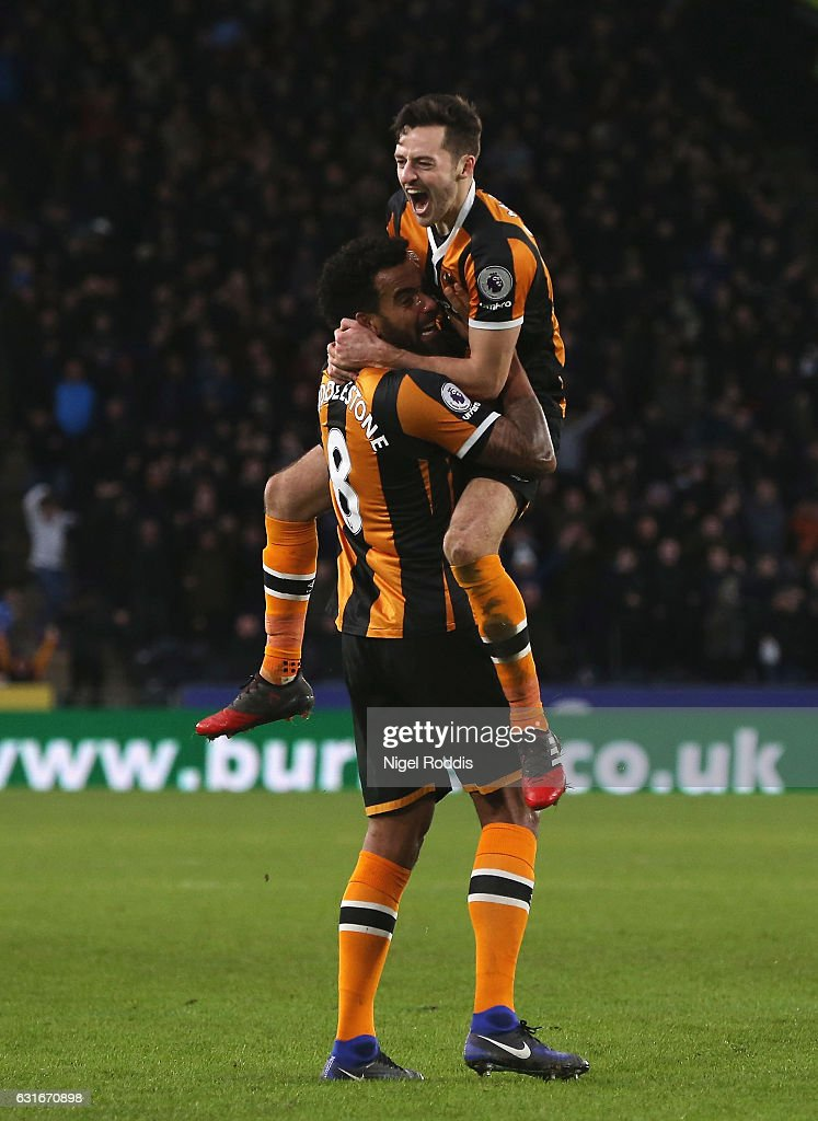 Tom Huddlestone of Hull City (L) celebrates his side third goal with Ryan Mason of Hull City (R) during the Premier League match between Hull City and AFC Bournemouth at KCOM Stadium on January 14, 2017 in Hull, England.