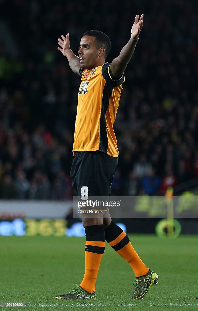 Tom Huddlestone of Hull City celebrates scoring his side's third goal during the Sky Bet Championship match between Hull City and Middlesbrough at the KC Stadium on November 7, 2015 in Hull, England.