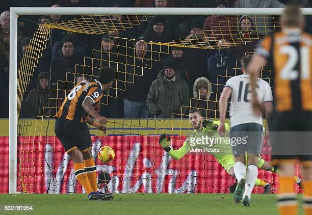 Tom Huddlestone of Hull City scores their first goal during the EFL Cup SemiFinal second leg match between Hull City and Manchester United at KCOM...
