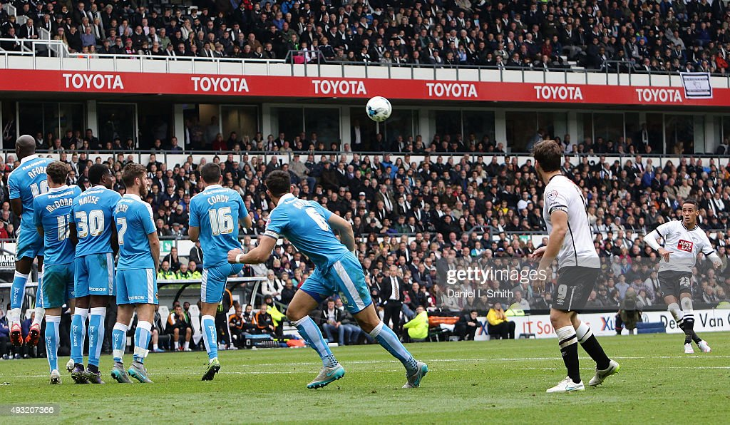 Tom Ince of Derby County FC takes a penalty kick during the Sky Bet Championship match between Derby County and Wolverhampton Wanderers at Pride Park Stadium on October 18, 2015 in Derby, England.