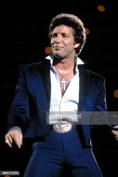 Tom Jones Pictures and Photos - Getty Images