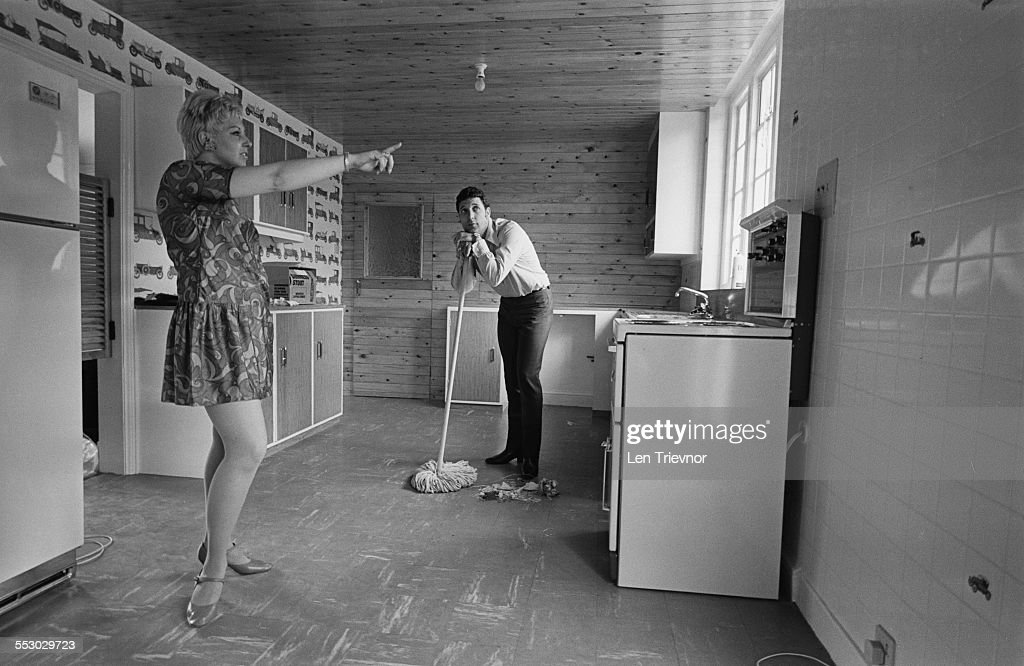 Tom Jones with his wife Melinda (n?e Trenchard) in their new home in Sudbury, 1967.