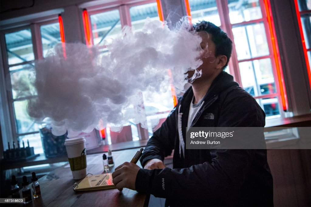 New E-Cigarette Regulations Go Into Effect In New York City And Chicago : News Photo