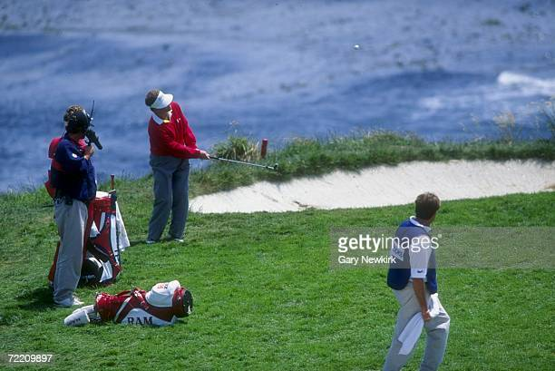 Tom Kite chips in for a birdie on the seventh hole during the 1992 US Open at the Pebble Beach Golf Course in Pebble Beach California Mandatory...