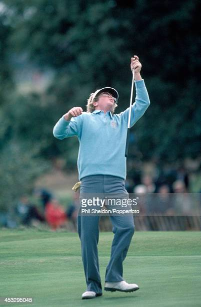 Tom Kite of the United States team looking up to the sky after missing his putt during the Ryder Cup golf competition held at the Walton Heath Golf...