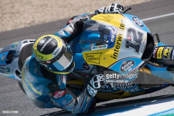Tom Luthi of Switzerland and and Team EG 00 Marc VDS rounds the bend during the qualifying practice during the MotoGp of Spain Qualifying at Circuito...