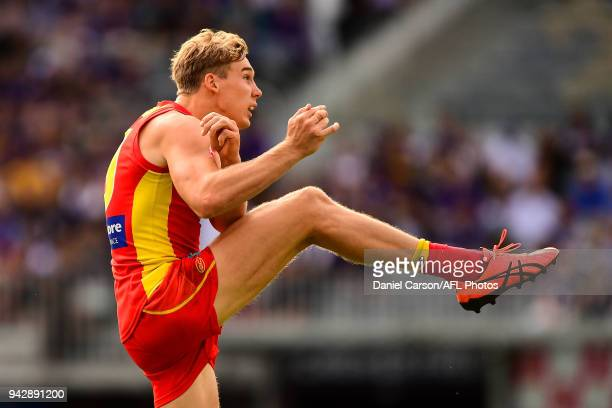 Tom Lynch of the Suns kicks on goal during the 2018 AFL round 03 match between the Gold Coast Suns and the Fremantle Dockers at Optus Stadium on...