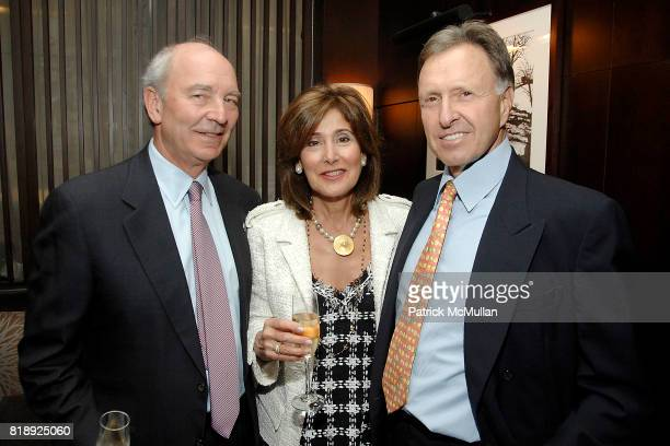 Tom Mandell Andy Mandell and Bob Hurst attend THE AMERICAN HOSPITAL OF PARIS FOUNDATION Honors CHEF DANIEL BOULUD at Daniel on May 5 2010 in New York...