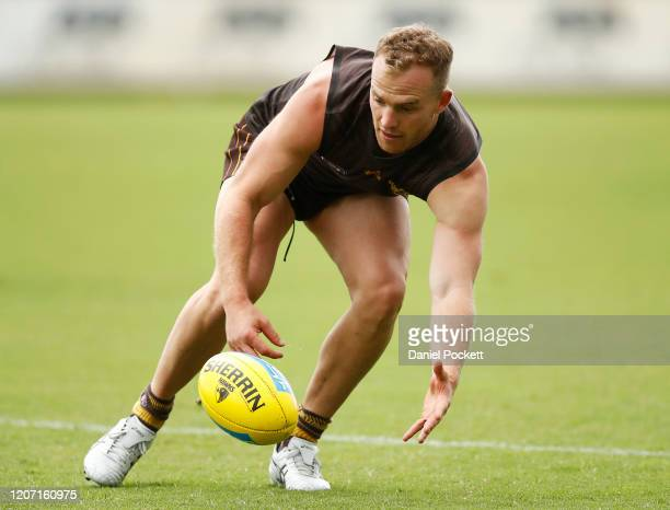 Tom Mitchell in action during a Hawthorn Hawks AFL training session at Waverley Park on February 19, 2020 in Melbourne, Australia.