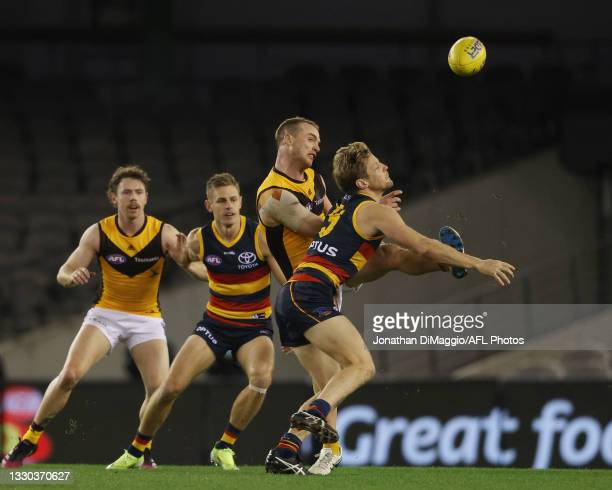 Tom Mitchell of the Hawks in action during the round 20 AFL match between Adelaide Crows and Hawthorn Hawks at Marvel Stadium on July 24, 2021 in...