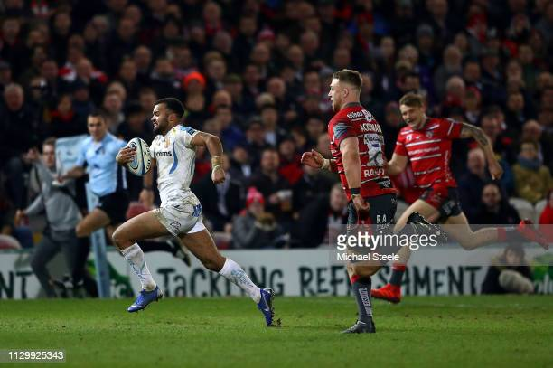 Tom O'Flaherty of Exeter Chiefs breaks away to score his teams second try during the Gallagher Premiership Rugby match between Gloucester Rugby and...