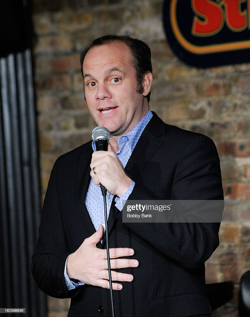 Tom Papa Performs At The Stress Factory
