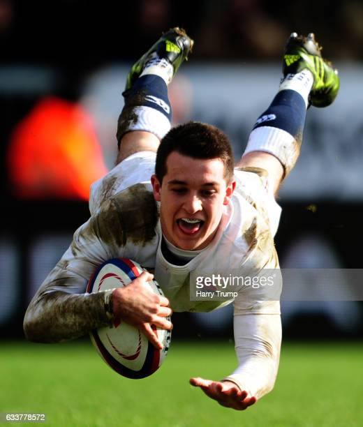Tom Parton of England U20s scores a try during the U20 Six Nations match between England U20 and France U20 at Sandy Park on February 4 2017 in...