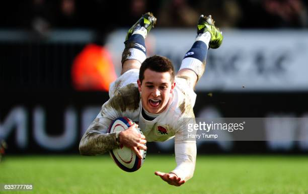 Tom Parton of England U20s scores his sides try during the U20 Six Nations match between England U20 and France U20 at Sandy Park on February 4 2017...