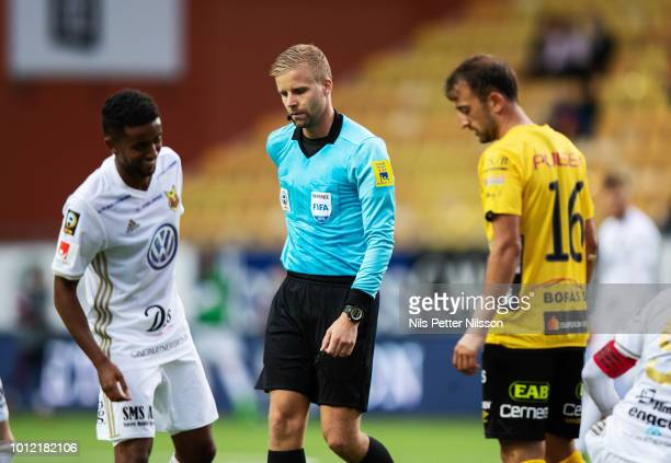 Tom Pettersson of Ostersunds FK Glenn Nyberg referee and Robert Gojani of IF Elfsborg during the Allsvenskan match between IF Elfsborg and Ostersunds...
