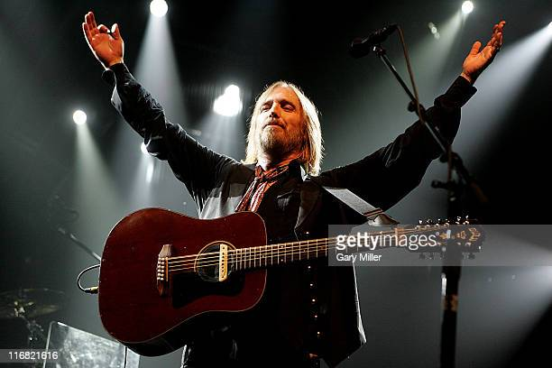 Tom Petty and the Heartbreakers perform live in concert at the Verizon Wireless Amphitheater August 26 2008 in San Antonio Texas
