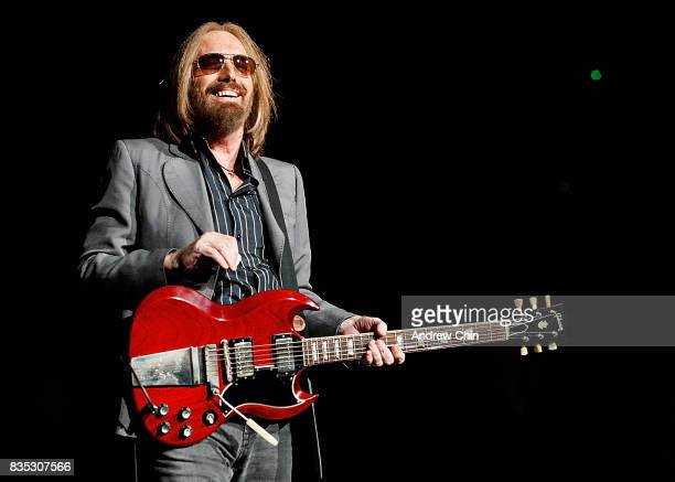 Tom Petty of Tom Petty and the Heartbreakers performs on stage at Pepsi Live at Rogers Arena on August 17 2017 in Vancouver Canada