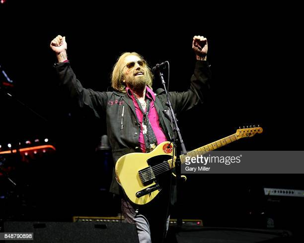 tom petty pictures and photos getty images. Black Bedroom Furniture Sets. Home Design Ideas