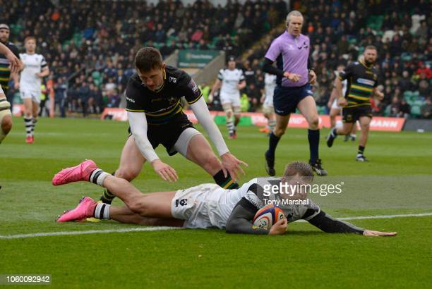 Tom Pincus of Bristol Bears dives in to score a try during the Premiership Rugby Cup match between Northampton Saints and Bristol Rugby at Sixfields...