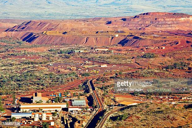 tom price iron ore mine. western australia - western australia stock pictures, royalty-free photos & images