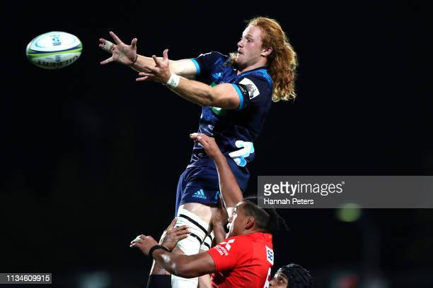Tom Robinson of the Blues wins lineout ball during the round 4 Super Rugby match between the Blues and the Sunwolves at QBE Stadium on March 09 2019...